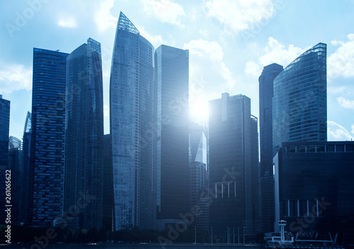 Foto  Urban and modern business office in day light in blue tone in downtown