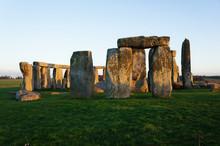 Stonehenge In England Is Best-...