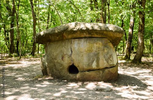 Fotografie, Obraz  Big Shapsug dolmen