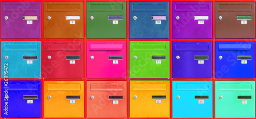 Fotografering Panneau de boîtes aux lettres couleurs