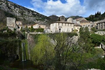 Fototapeta na wymiar Village de Saint-guilhem-le-désert dans l'Hérault