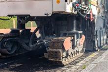 Opération De Rabottage De La Route