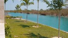 GOLF COURSE ARTIFITIAL LAKE