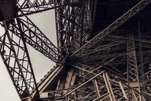 Blick In Den Eiffelturm