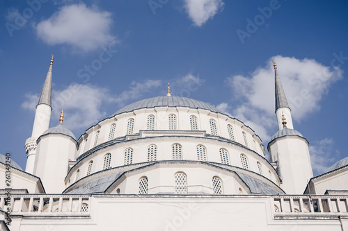Fotografia  Ankara, Turkey - March 3, 2019:  View of beautiful Kocatepe Mosque, the largest