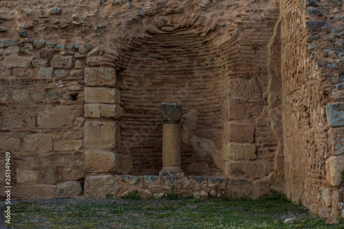 Foto  soft focus abandoned stone Greece architecture object destroyed column in arch s