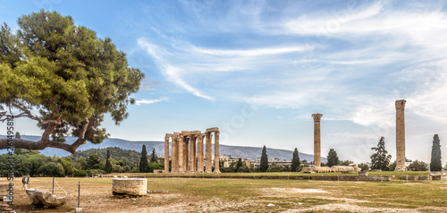 Printed kitchen splashbacks Athens Temple of Olympian Zeus, Athens, Greece. It is one of the top landmarks of Athens. Panorama of famous Ancient Greek ruins in the Athens center. Scenic view of remains of the antique Athens city.