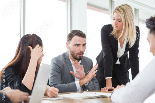 Valokuvatapetti business man presenting and disagree sign  in meeting room