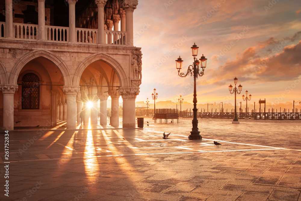 Fototapety, obrazy: San Marco in Venice, Italy at a dramatic sunrise
