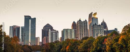 Cuadros en Lienzo  A view of the midtown Atlanta skyline from the nostalgic Piedmont Park