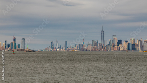 Foto op Canvas Stad gebouw Skyline of Manhattan in NYC USA seen from a ferry
