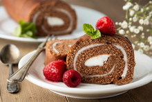 Delicious Chocolate Roll Spong...
