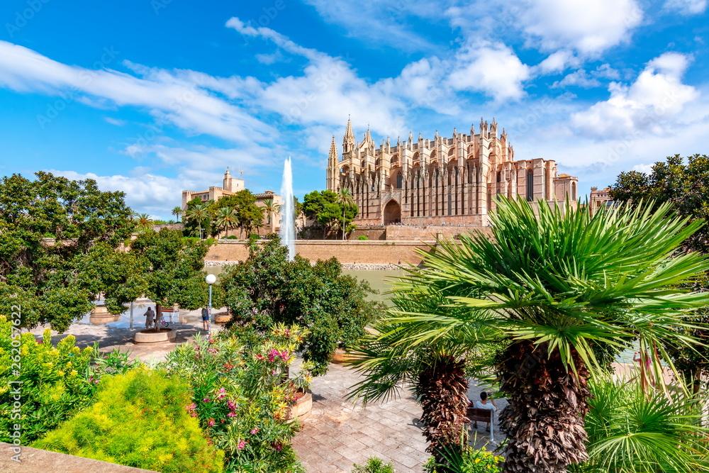 Fototapety, obrazy: Cathedral of Santa Maria of Palma (La Seu), Palma de Mallorca, Spain