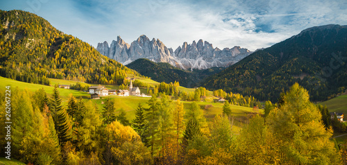 Cadres-photo bureau Bleu jean Val di Funes in the Dolomites at sunset, South Tyrol. Italy