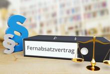 Fernabsatzvertrag – Gesetz/Recht. Ordner Auf Schreibtisch Mit Beschriftung Neben Paragraf Und Waage. Anwalt