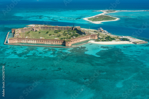 Fotografia, Obraz Aerial Views in Dry Tortugas National Park in Florida, United States
