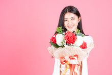 Beauty Woman Asian Cute Girl Feel Happy Holding Flower Red Rose And White Rose On Pink Background - Lifestyle Beautiful Woman