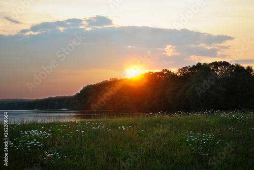 Fotografie, Obraz  Glorious Summer Sunset on a Peacefull Pond