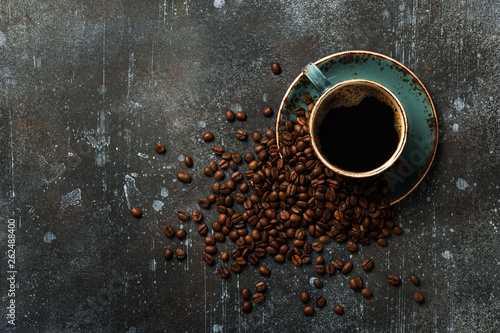 Foto op Plexiglas Cafe Coffee cup and coffee beans on vintage background