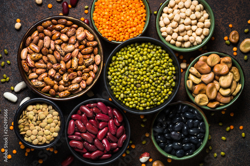 Photo  Legumes, lentils, chikpea and beans assortment.