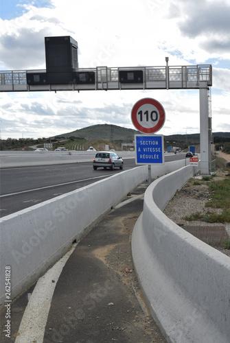Panneaux vitesse à 110 kmh et section à vitesse régulée Canvas Print