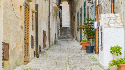Fotografie, Obraz  16474_The_small_road_in_between_the_houses_in_Erice_Trapani_in_Italy