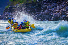 White Water River Rafting In R...