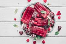 Homemade Berry Popsicles Decor...