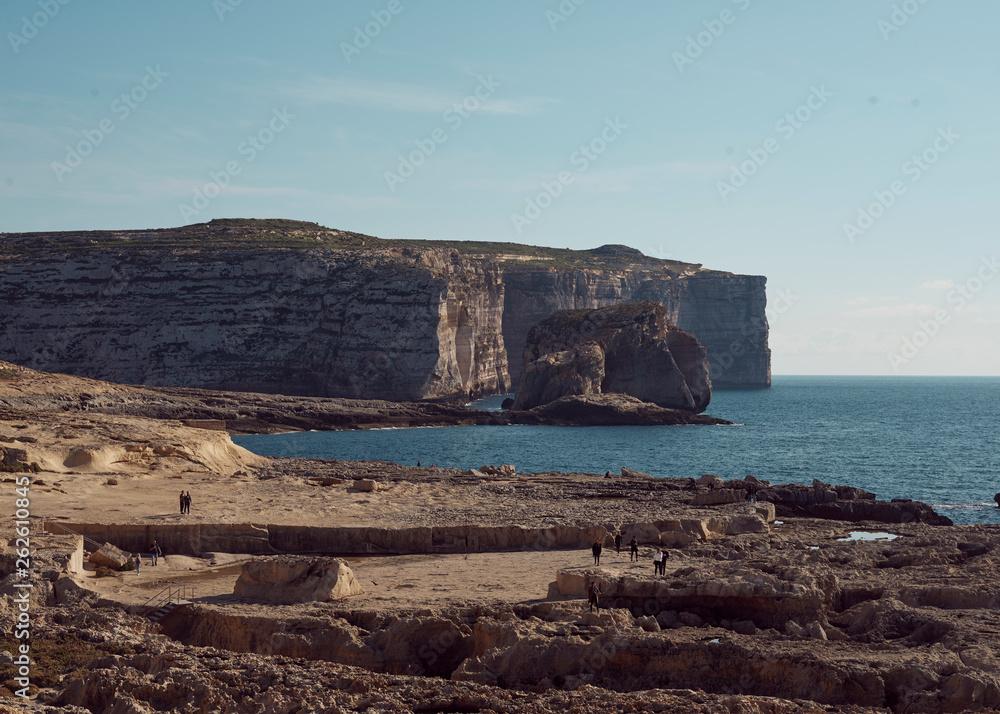 Fototapeta widok na klif w piękny słoneczny dzień> Malta Gozo
