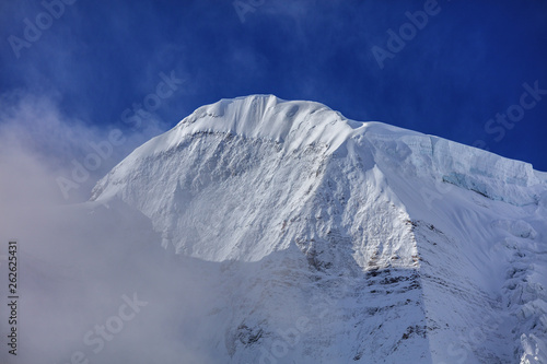 Snow Mountain, Massive Glacier, Wall of Ice, Mountain Cliff Face covered in ice, Canvas-taulu