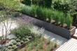 canvas print picture - Moderne Gartengestaltung mit Gräsern und Stauden