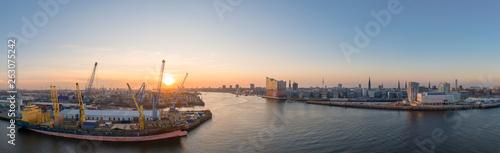 Valokuva  Luftaufnahme Hamburger Hafen