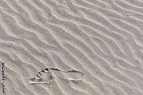 Obraz na plátně Piasek - ślad stopy