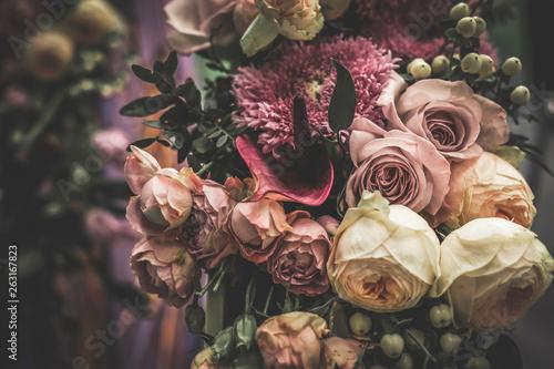 Fotografía Flower arrangement of different colors