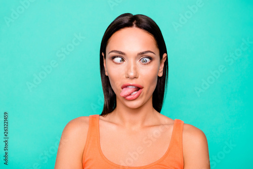 Foto Close up photo portrait of funny funky playing fool making faces she her girl st