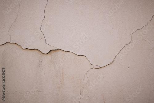 bezowa-powierzchnia-stiuku-na-scianie-jasny-bezowy-teksturowanej-tlo-grunge-tekstura-szorstkie-wyblakle-tlo
