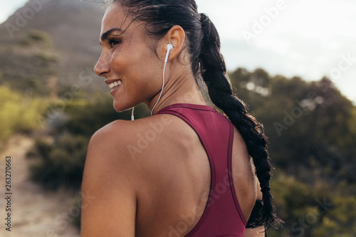 Fotografia  Woman ready for cross country run