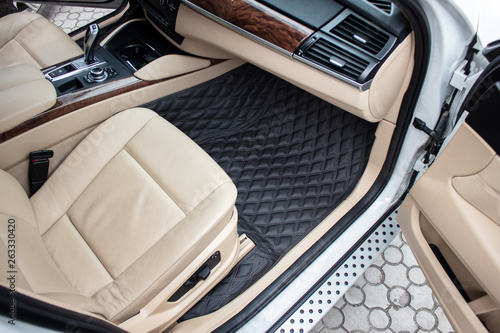 PREMIUM CAR FLOOR MATS FROM ECOLEATHER Canvas Print