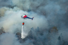 Helicopter Extinguishing Wildf...