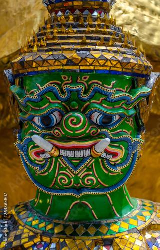 Türaufkleber Phantasie Giant In Temple