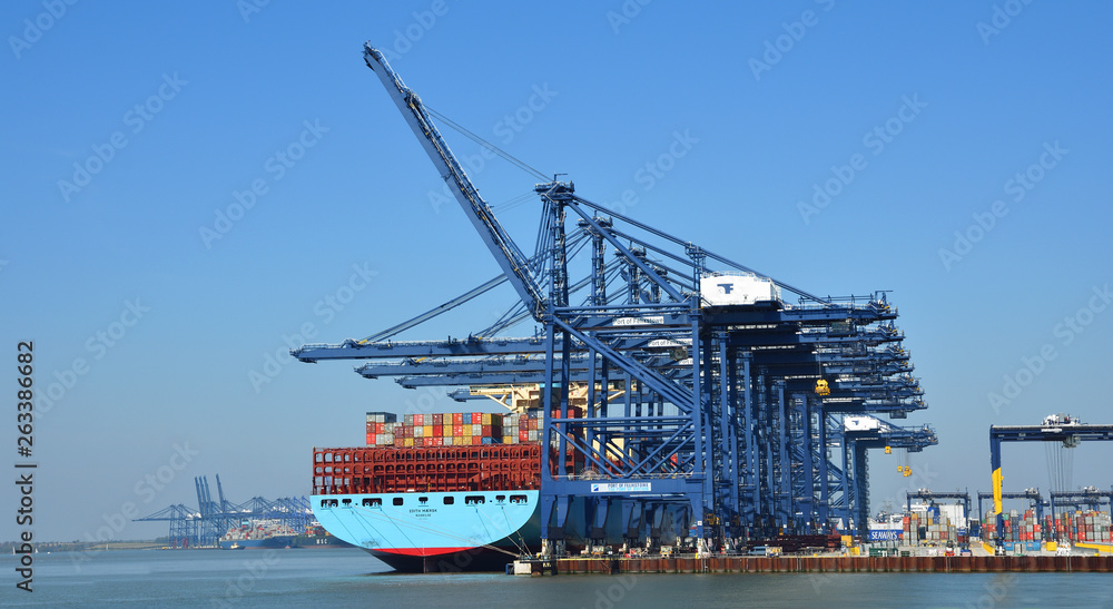 Fototapety, obrazy: Large Container Ship being loaded at Felixstowe Port.