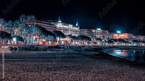 Fotografie, Obraz Cannes by night view from the beach