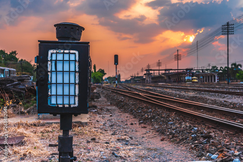 Foto auf Gartenposter Grau Verkehrs outdoor landscape railway train station sunset background
