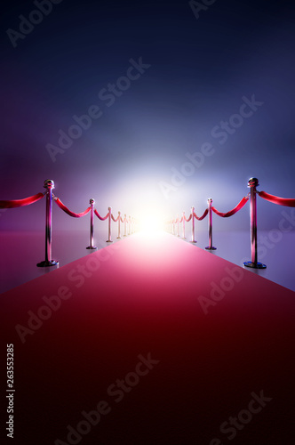 Photo  Red carpet with bright light in the end / 3D illustration