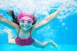 Leinwanddruck Bild - girl swim in  pool