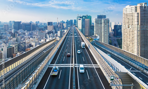 都市と高速道路