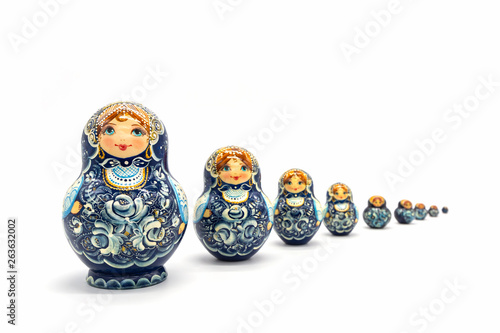 Obraz na plátne Matryoshka Dolls isolated on a white background