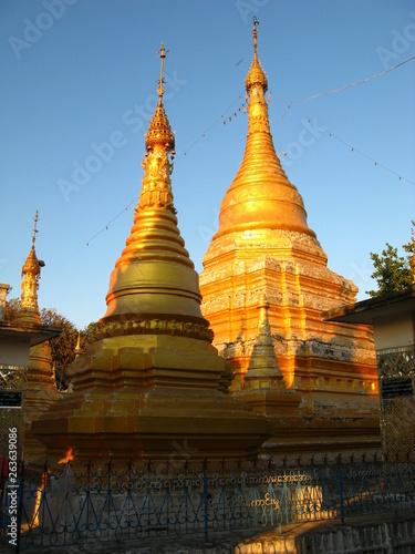 In de dag Bedehuis Mandalay, Myanmar