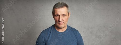 Photographie  Middle aged man studio shot