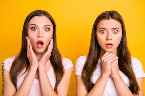 Photographie  Close up photo two people beautiful funny funky she her models ladies pretty app